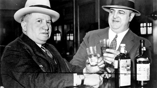 Men drinking during prohibition