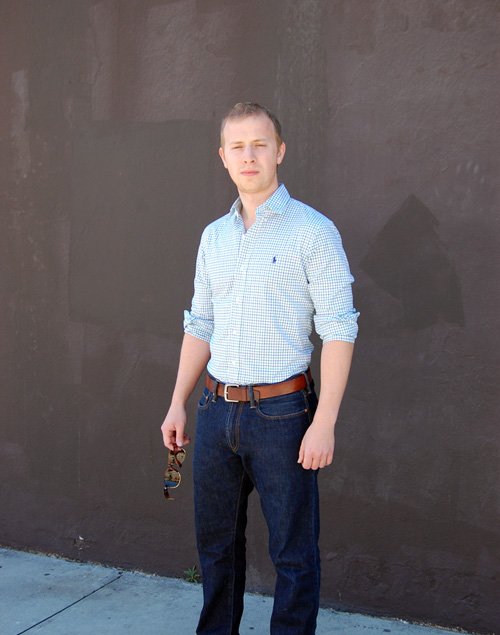 How to wear a tucked in shirt without looking like an old for No tuck shirts mens