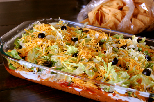 taco dip with chips