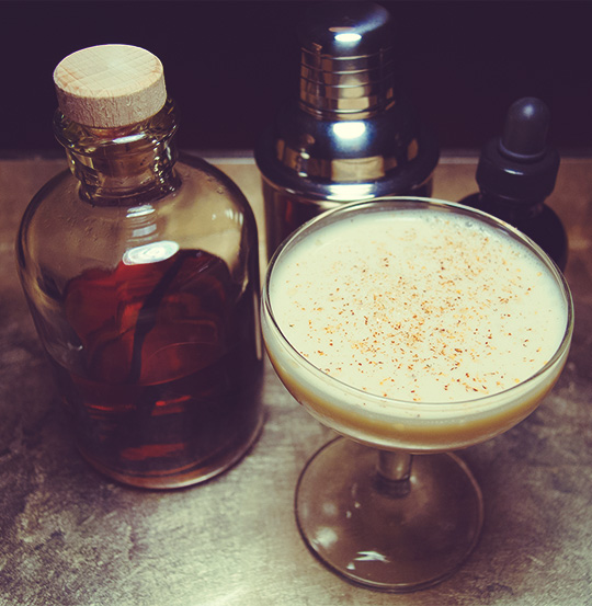 valentine's day cocktails - vanilla creme cocktail recipe