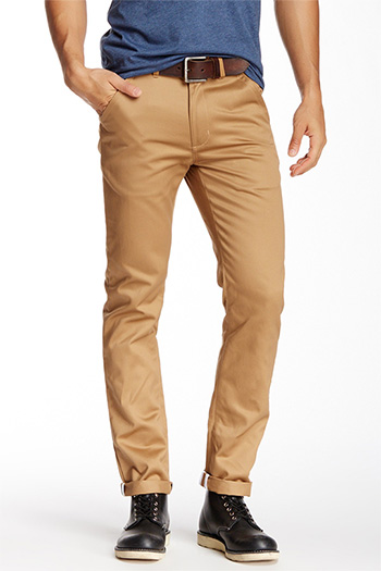 What Shoes to Wear With Chinos Chinos can be styled to suit a wide range of occasions, whether it's a formal event or something a bit more casual, chinos will work. Don't be afraid to mix and match your chinos and shoe choices.