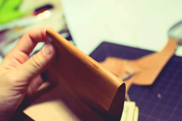 Make a leather wallet - 05
