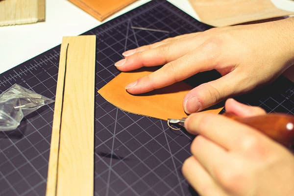 Make a leather wallet - 09