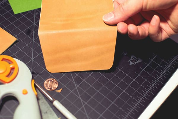 Make a leather wallet - 12