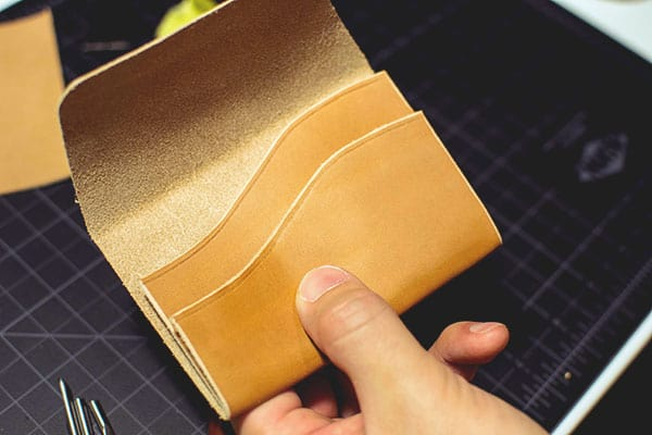 Make a leather wallet - 14