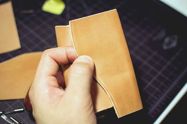 Make a leather wallet - 16