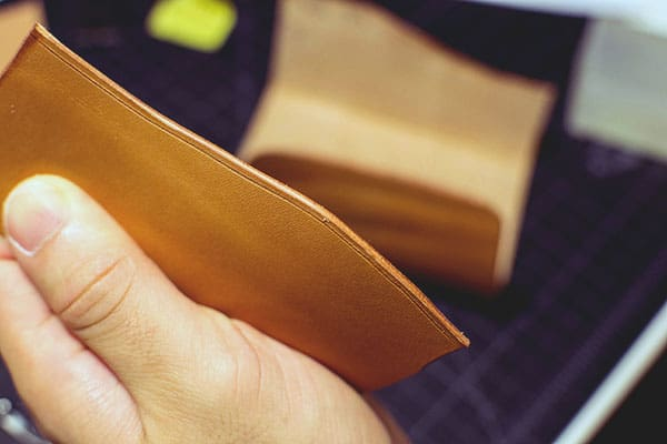 Make a leather wallet - 19