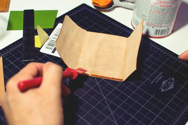 Make a leather wallet - 24