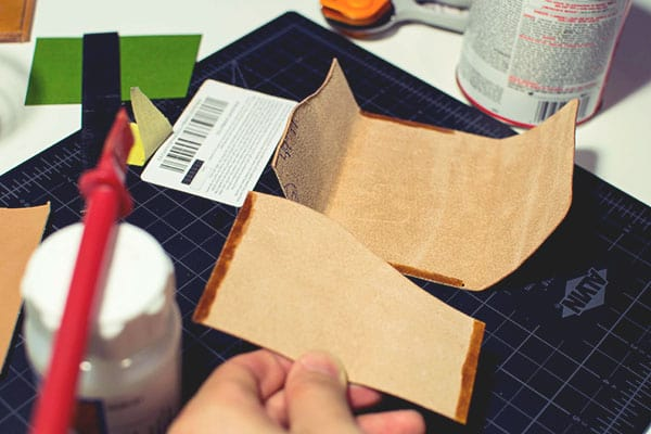 Make a leather wallet - 25