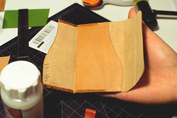 Make a leather wallet - 28