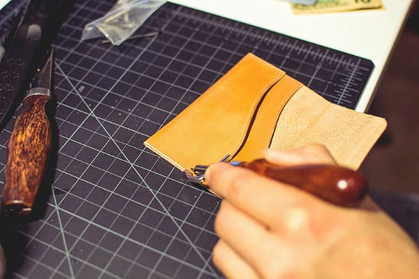 Make a leather wallet - 30