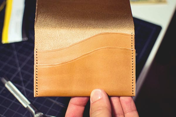 Make a leather wallet - 32