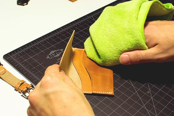 Make a leather wallet - 40