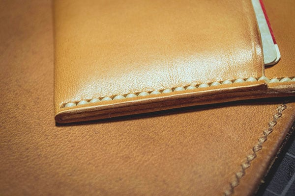 Make a leather wallet - 44