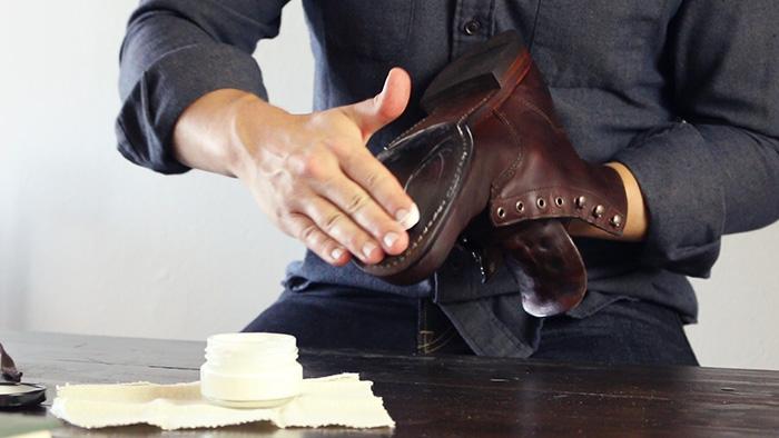 Treat leather soles