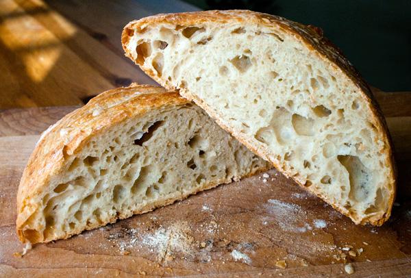 Easy Dutch Oven Bread Recipe