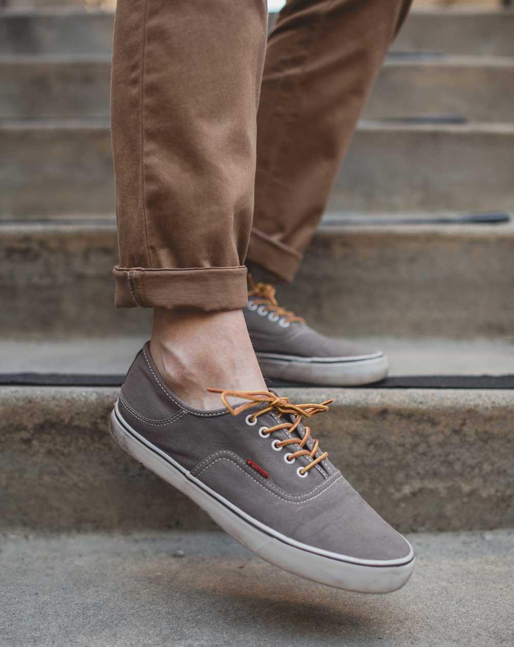 Gray sneakers Levis Jordy