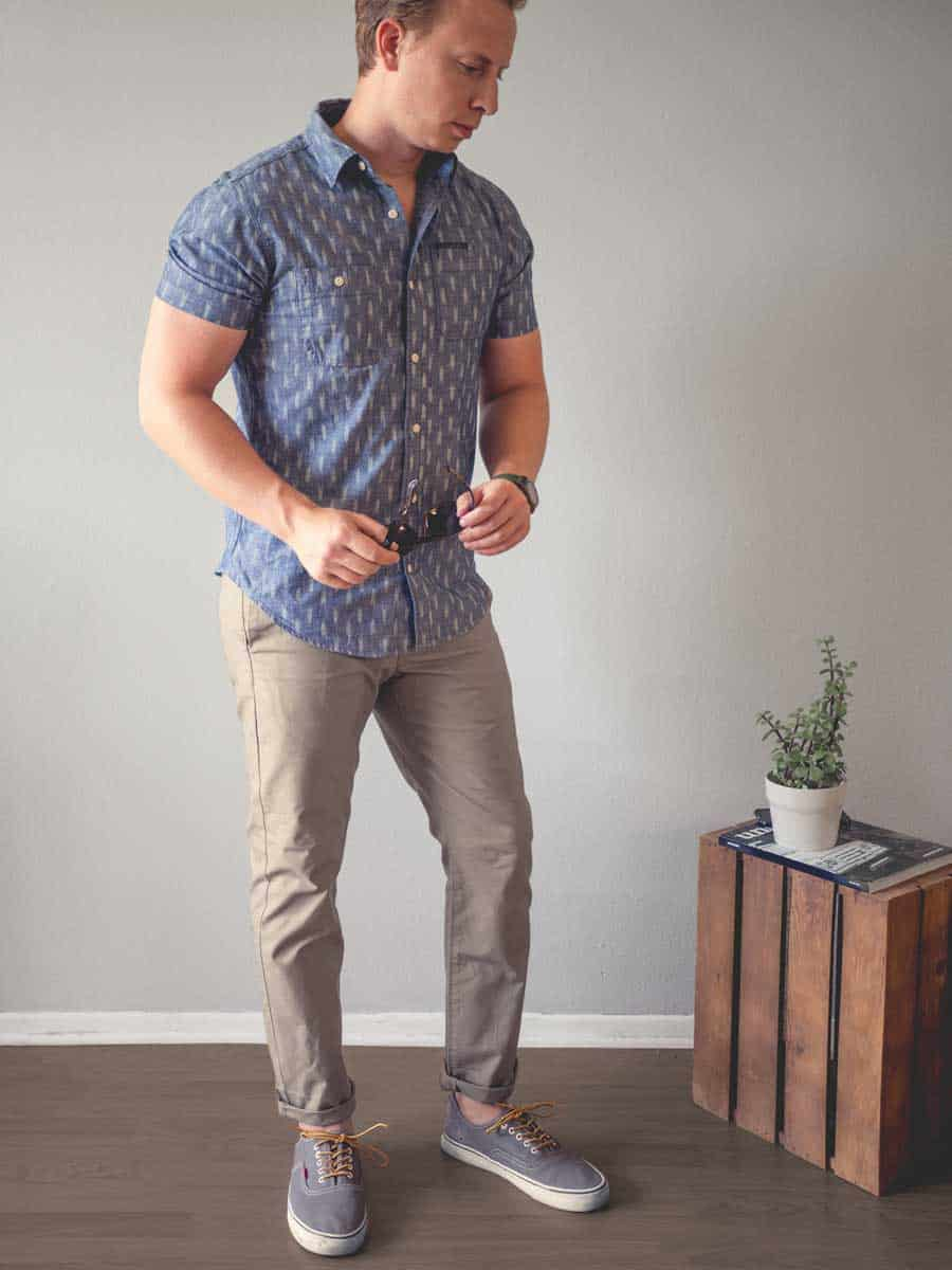 men's summer outfit patterned short sleeve shirt chinos vans