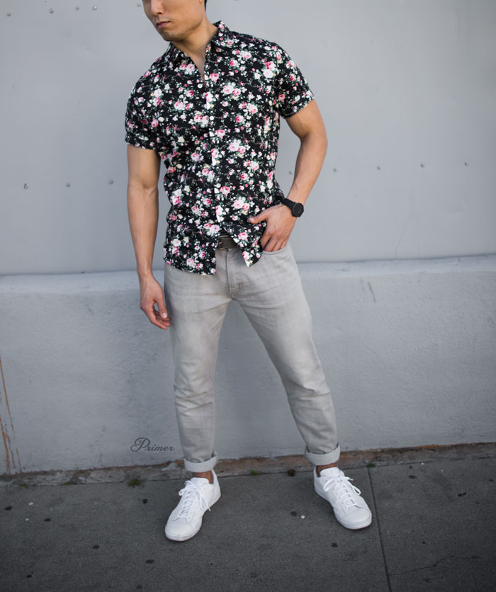 short sleeve floral shirt men summer style outfit idea gray jeans white sneakers