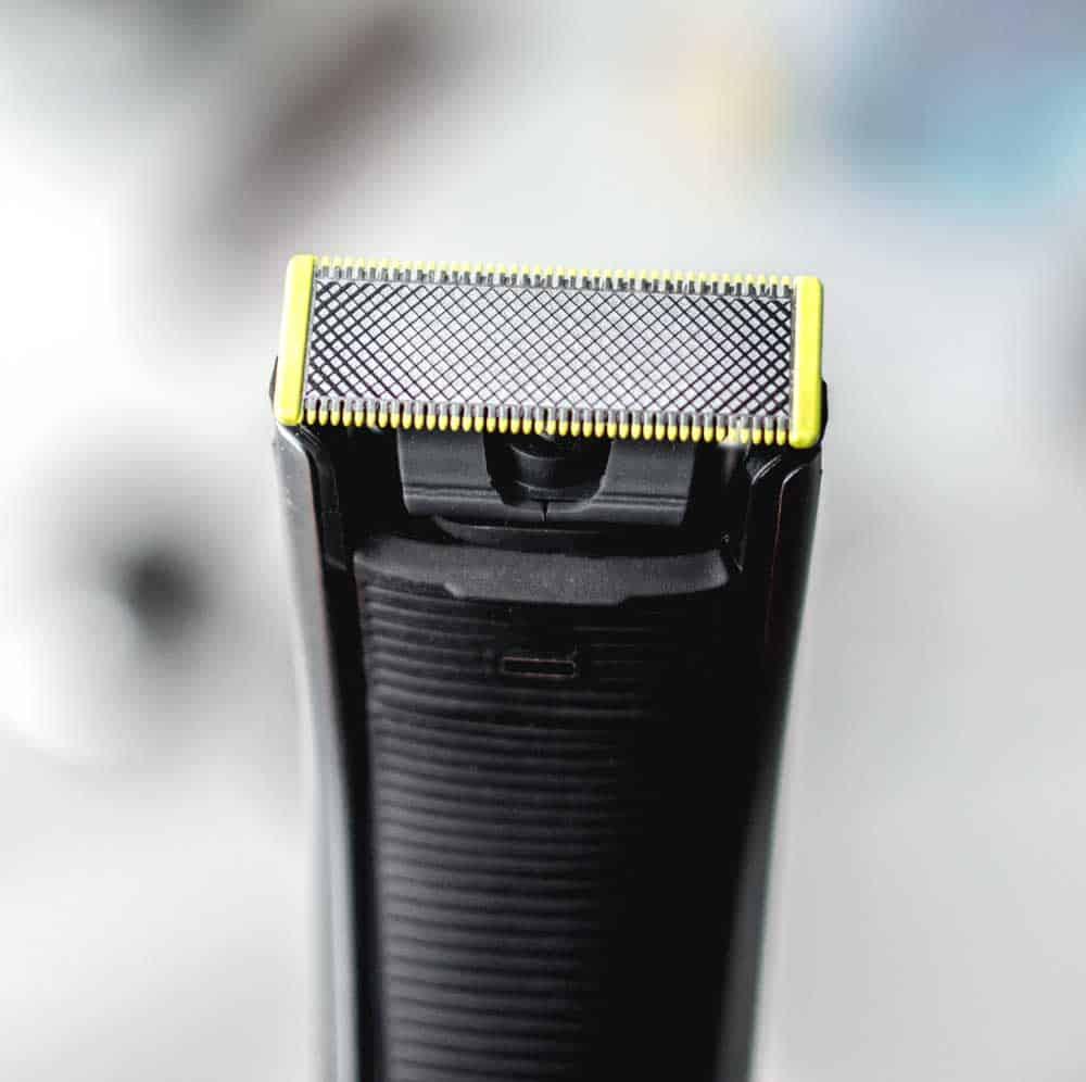 A close up of a razor