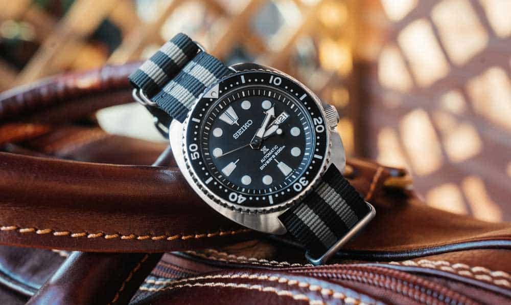Relógio SEIKO com pulseira Bond NATO