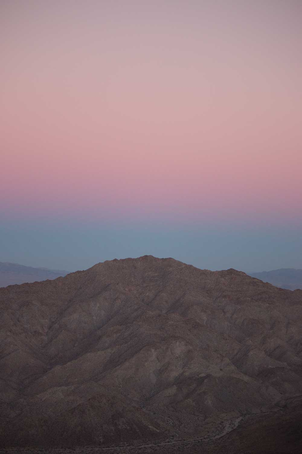 Photo of a pink sky in Joshua Tree