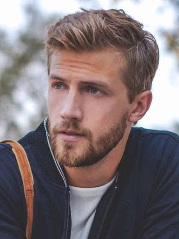 blonde man sidepart with beard