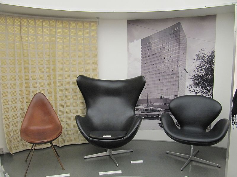 Image of Drop, Egg, and Swan chairs designed by Arne Jacobsen