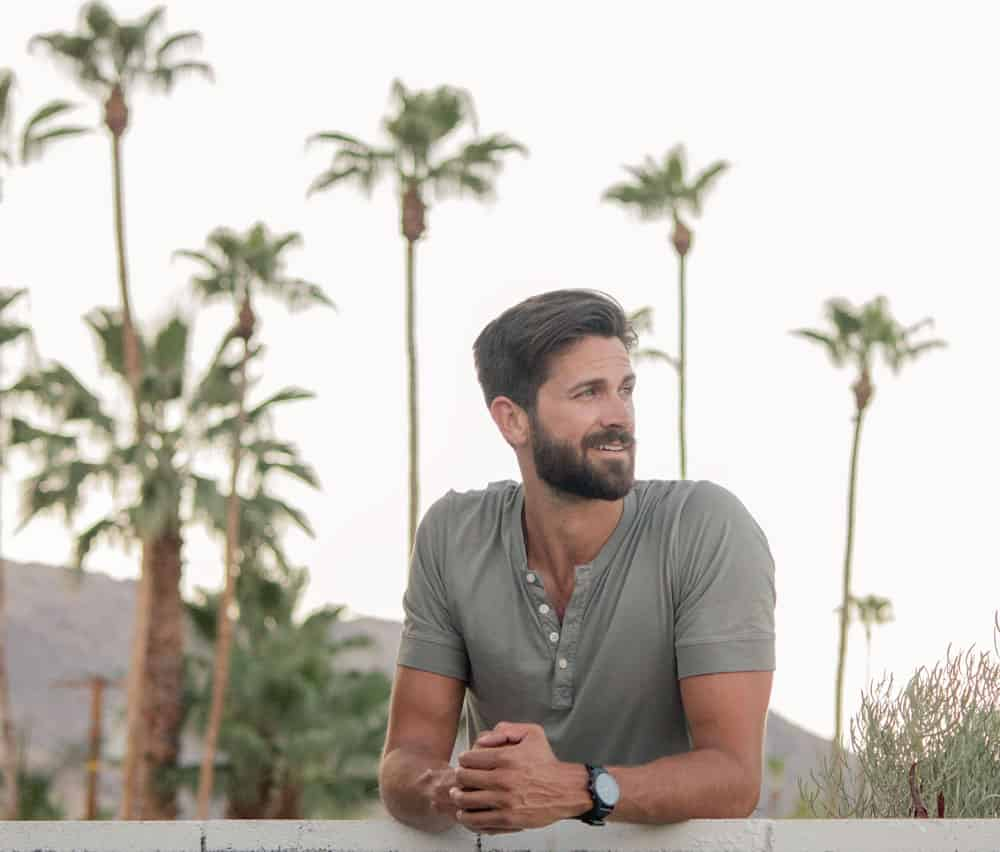 men summer outfit olive henley