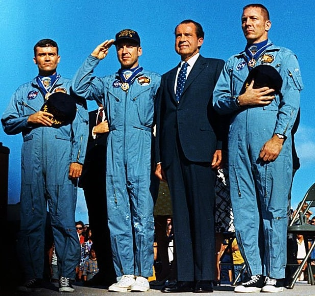 Fred Haise, Richard Nixon posing for the camera