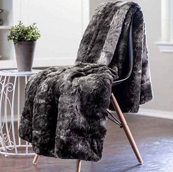 Image of Chanasya Faux Fur Throw Blanket