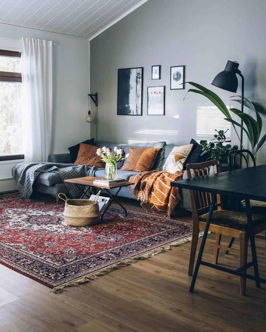 Image of living room from gorzavel.com