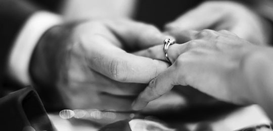 How to Propose: 5 Questions You Should Ask Before Getting Engaged + 3 Real Proposal Stories
