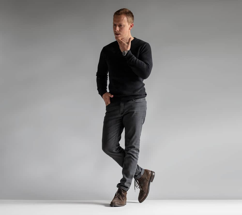men fashion outfit ideas black crew gray jeans brown suede boots
