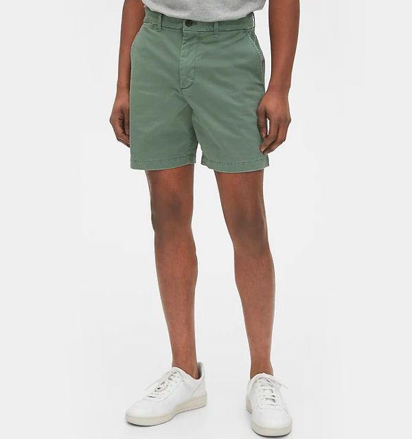 "Gap 7"" khaki short"