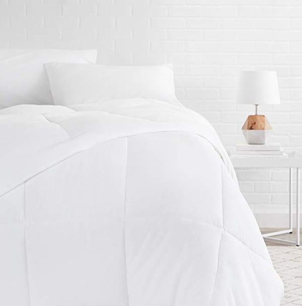 AmazonBasics Down Alternative Bed Comforter, Full / Queen, White