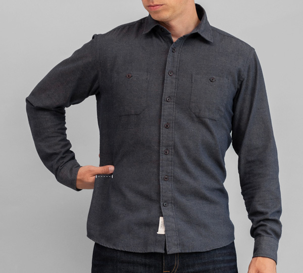 how wide a button up shirt should be