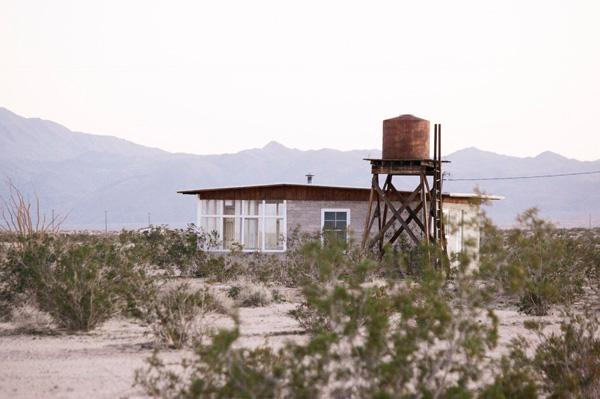 desert house airbnb