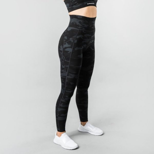 alphalete-legging-women-gift-guide