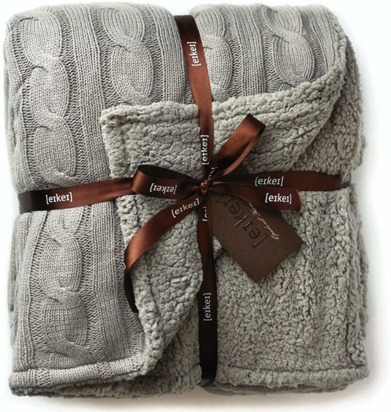 cable-knit-blanket-women-gift-guide