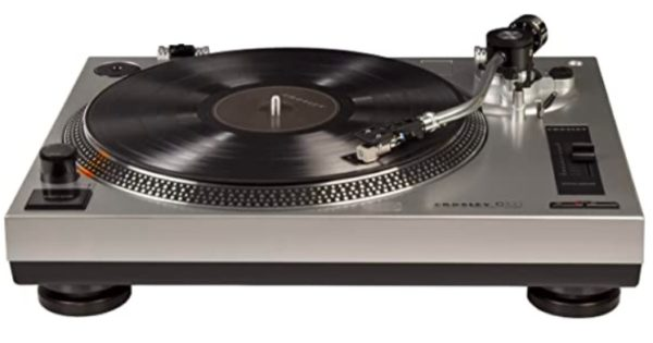 crosley-turntable-fathers-day-gift-guide.jpg