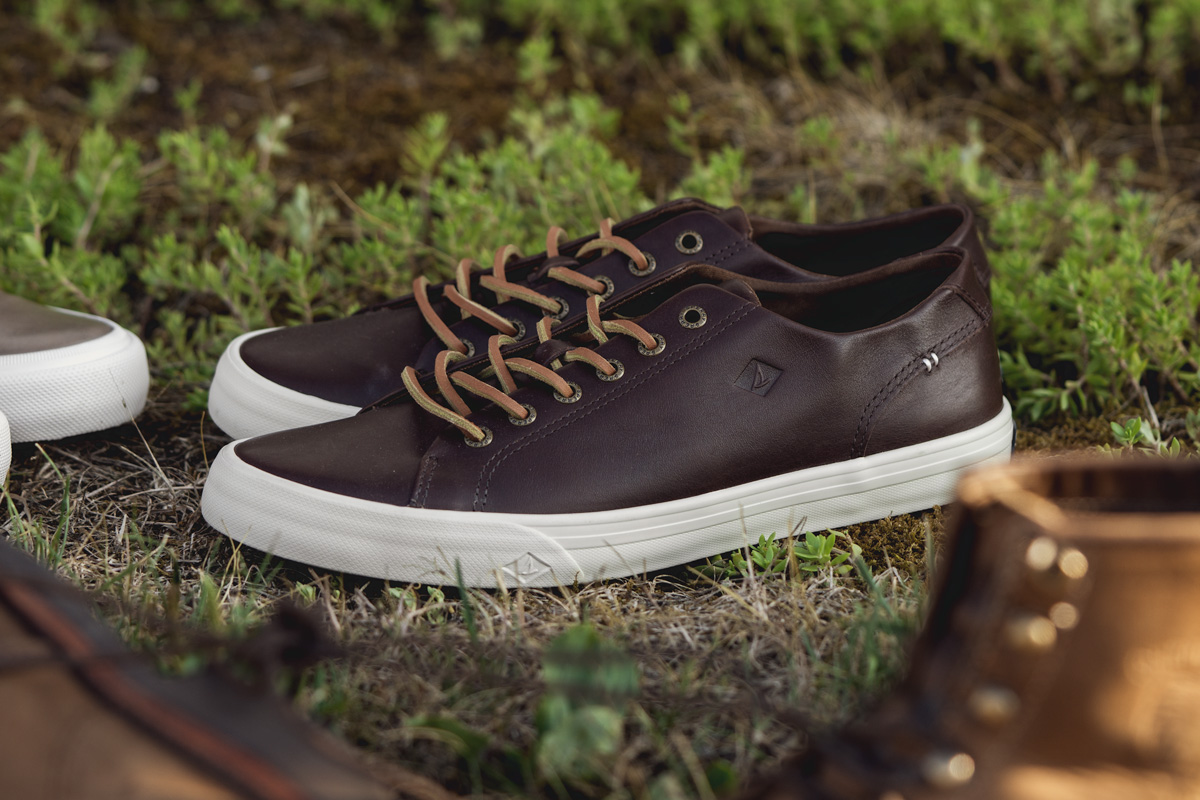 sperry leather sneaker