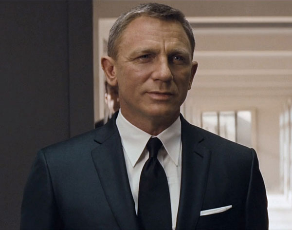 james bond wearing point collar shirt