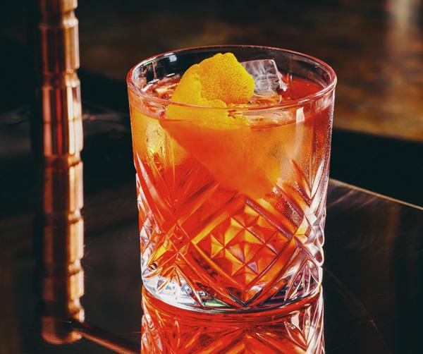 Americano cocktail in James Bond