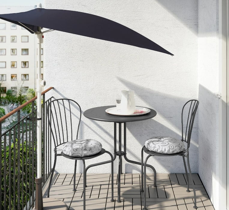 lacko-table-chairs-balcony-makeover