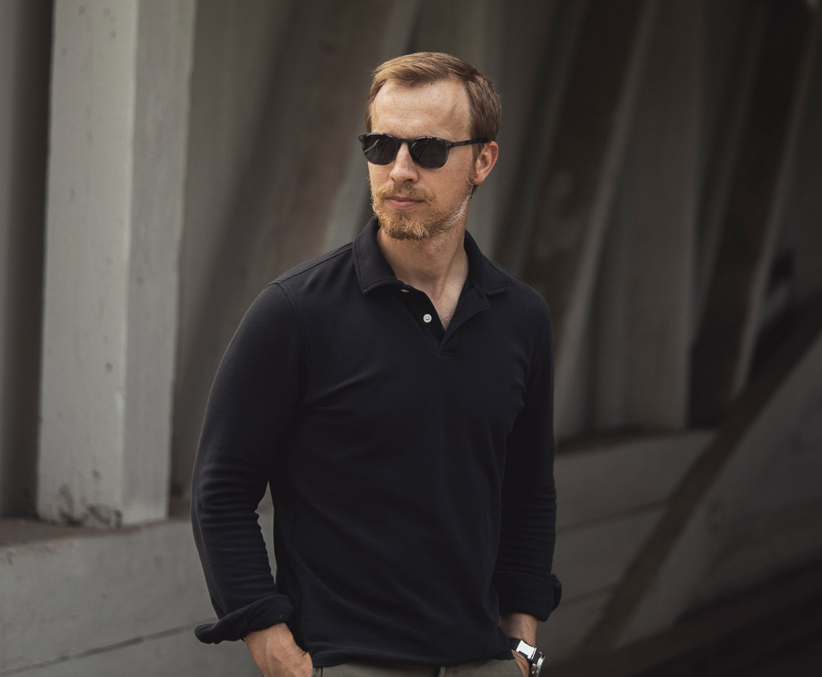 mvmt hyde sunglasses with black polo