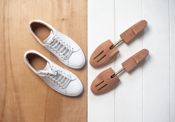 Shoe trees for sneakers