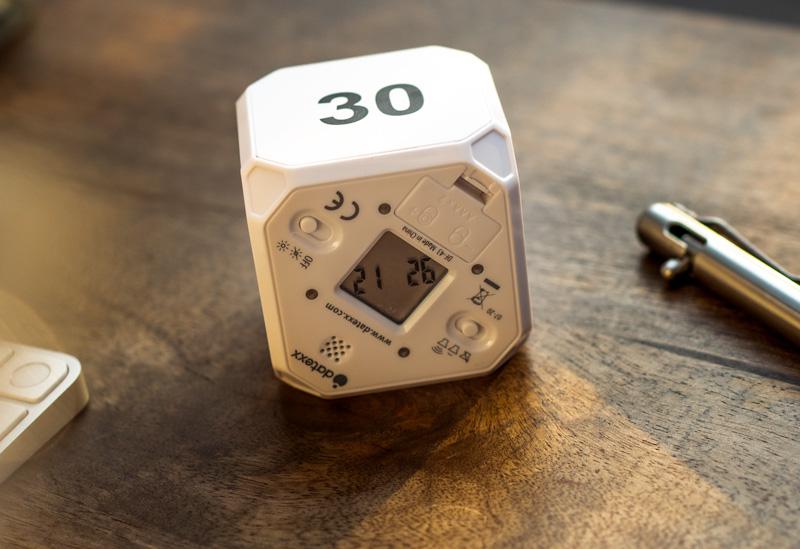 flippable desk time cube