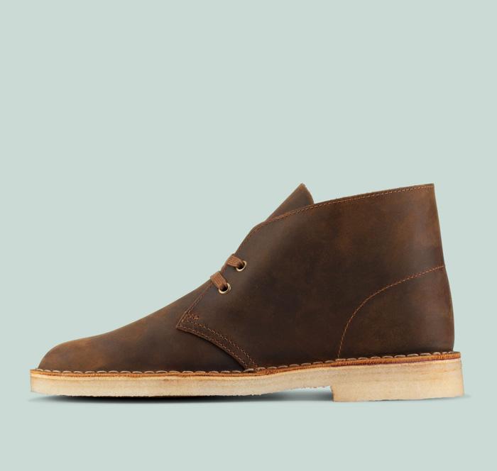 clarks desert boot in beeswax